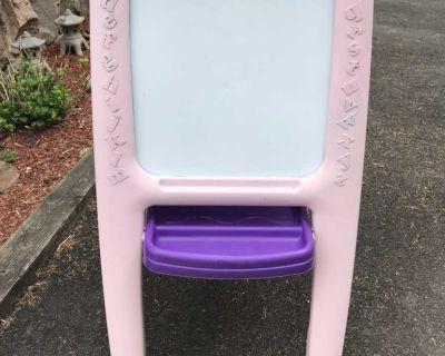 Whiteboard/Chalkboard Easel