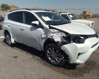 Salvage White 2018 Toyota Rav4