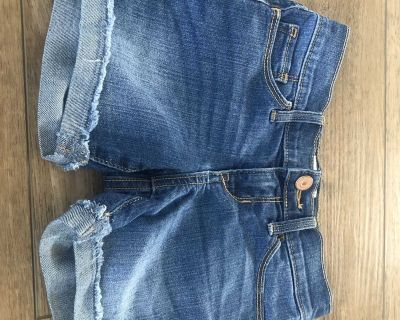 Old navy size 6 girls Jean shorts - last season
