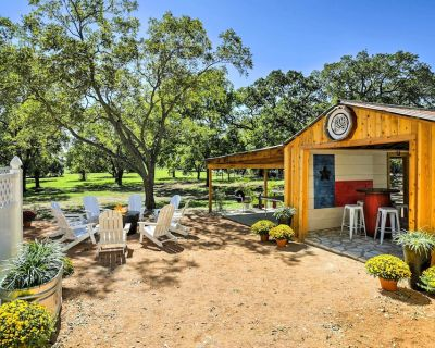 'texas Roots' 3BR Fredericksburg House W/hot Tub! - Fredericksburg
