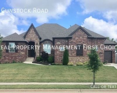 Beautiful 3 Bedroom 2 Bath Home For Rent In North Fork Subdivision Bentonville AR