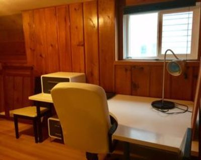 4569 Napier Street, Burnaby, BC V5C 3H4 1 Bedroom Apartment