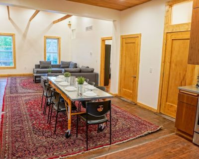 3br 1500 sq ft HUGE Historic Loft in Walkers Point! - Fifth Ward