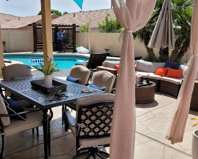 Luxury 5 Bed 4.5 Bath Home !Premier Host!Heated pool,Gym! Kierland ,TPC Golf!!! - Paradise Valley Village