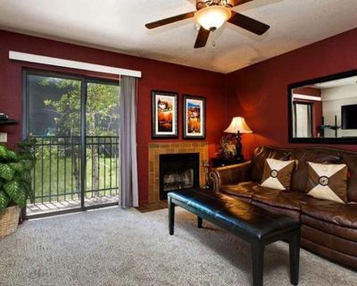 One Bedroom Condo With Great Location And Price! - Park City
