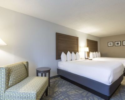 Country Inn & Suites by Radisson, Asheville Downtown Tunnel Road, NC - Asheville