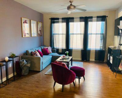 Stylish Uptown/ Galleria Area Apartment, Houston, TX