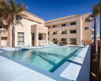 Nature Escape in Red Lion Inn & Suites Perris! Fitness, Parking, Wi-fi - Eastside
