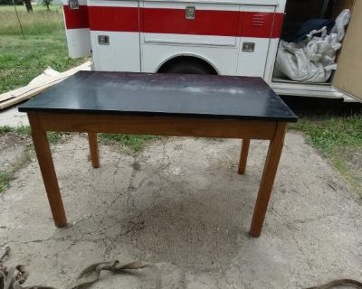 USED LAB TABLES 3' x 5' REDUCED PRICE