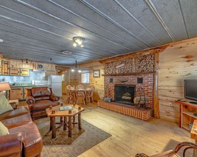 Private Hot Tub, Sleeps 4, Full Kitchen, Ideal Mountain Getaway - Ruidoso