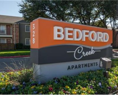 BEAUTIFUL 2 BED 1 BATH POOL VIEW READY FOR MOVE IN