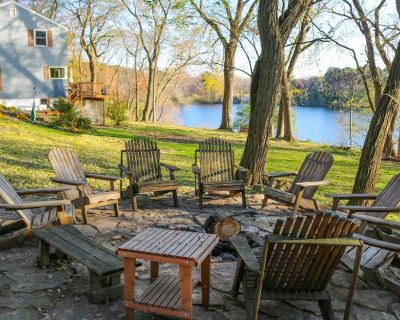 Secluded Lake Home Retreat With Hot Tub And Firepit - Inver Grove Heights