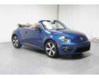 2013 Volkswagen Beetle Convertible 2.0 TSi with Sound