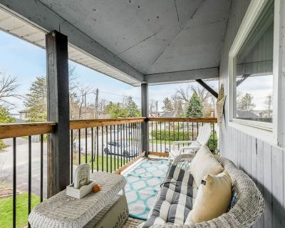 Perfect Cozy Lakeside Cottage for Your Getaway - Alcona