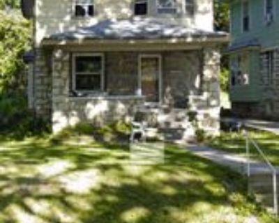 316 Kensington Ave #316, Kansas City, MO 64124 4 Bedroom Apartment