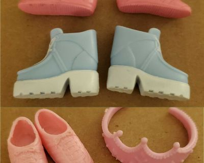 Doll boots, shoes, and tiara (flat foot)