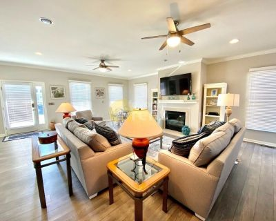 Recently remodeled condo with 5 bed in Delaware