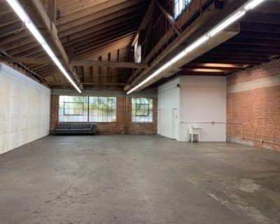 2,300 sqf Brick & Wood Warehouse Studio w 30 Car Gated Parking, LOS ANGELES, CA