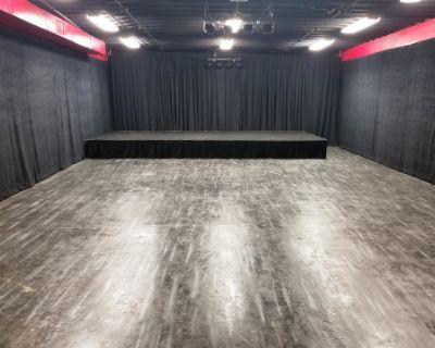 Intimate warehouse/workshop/Greenscreen studio, North Hollywood, CA