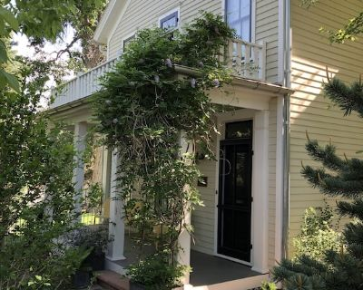 Historic home on huge lot steps from beautiful downtown Boulder - Mapleton Hill