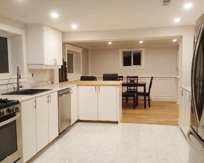 Brand new charming one bedroom Luxury Suite - Saanich West