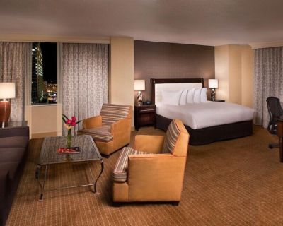 2-Bedroom Suite at Hilton Minneapolis by Suiteness - Downtown West
