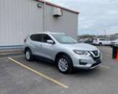 2018 Nissan Rogue Silver, 18K miles