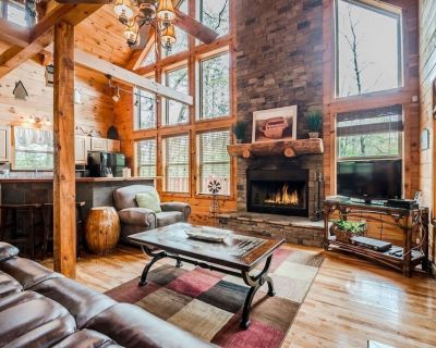 Secluded Cabin | 2BR 3 BA | Sauna | Hot Tub | Pool Table | Wrap Around Deck - Cleveland