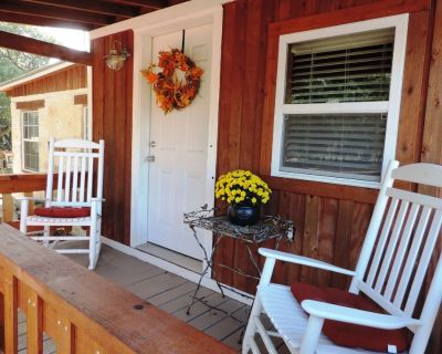 Teeny Tiny Texas House | Pet Friendly | Peaceful - Mountain Home