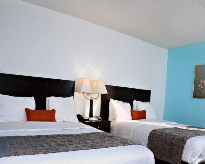 Coratel Inn & Suites Newton - Comfort 2 Queen Bed NS - Newton