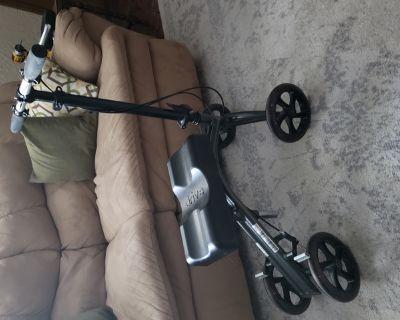 Knee walker/scooter