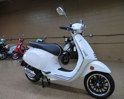 2021 Vespa Sprint 50 Scooter Downers Grove, IL
