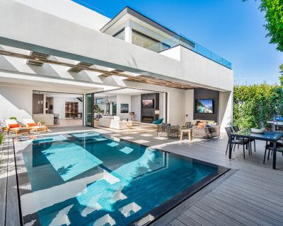 MEGA MANSION BEVERLY HILLS MEETINGS & OFF SITE EVENTS OPEN FLOOR PLAN ROOFTOP AMAZING VIEWS, LOS ANGELES, CA