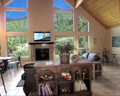 Best views 4 BDR Mountain Home . SKI, Red rock, 26 mins to DENVER. HOT TUB!! - Evergreen