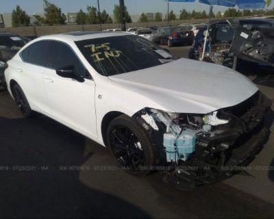 Salvage White 2021 Lexus Es