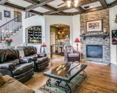 Private room with own bathroom - Fort Worth , TX 76120