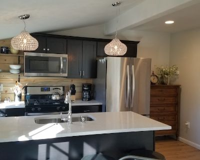 Mile High Carriage House. Downtown! Dog park, bikes & beautiful view. - Whittier