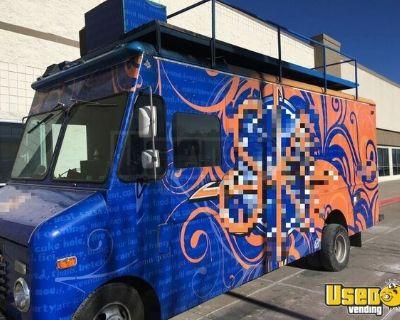 Head-Turner Ford Diesel Step Van Kitchen Food Truck/Mobile Kitchen