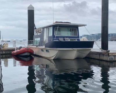 1988 Holiday Mansion Barracuda Coastal Cruiser/Houseboat