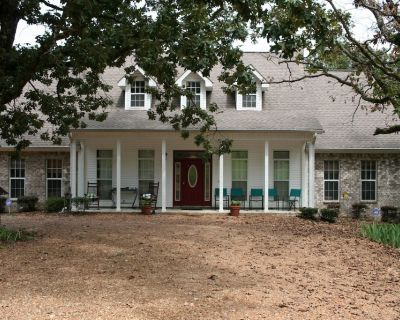 A Peaceful Retreat Close to Sardis Lake & Oxford - Stay and Relax! - Batesville
