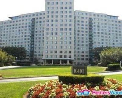 10401 Grosvenor Pl #1220, North Bethesda, MD 20852 2 Bedroom Condo