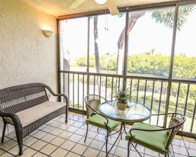 Beautifully remodeled two bedroom, two full bathroom condo at Bay Village - 104 - Mid Island