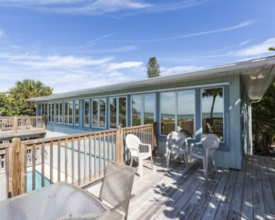Heron Duplex with Amazing Views of the Gulf and Heated Pool - Mid Island