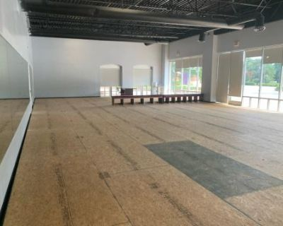 Spacious Event Facility of Sugarloaf Parkway - Not far from Downtown Lawrenceville, Lawrenceville, GA