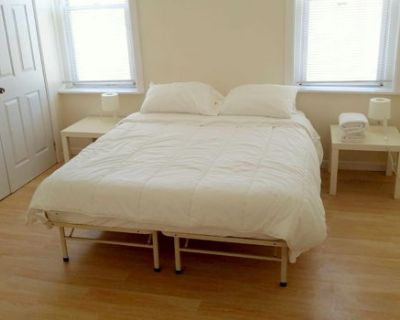 Entire House close to UPENN, Sleeps 7, TV and WIFI