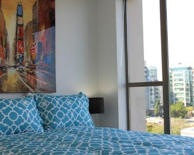 The Executive Onyx Suite - In the heart of Downtown, Victoria - Downtown Victoria
