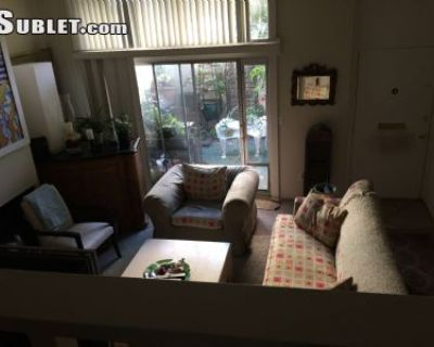 $1800 3 townhouse in West Los Angeles