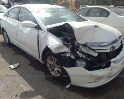 Salvage White 2013 Hyundai Sonata