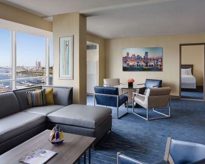 2-Bedroom Suite at Hyatt Regency Baltimore Inner Harbor by Suiteness - Downtown West