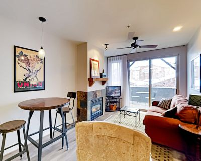 Crestview Charmer | Pool, Hot Tub & Secure Garage | Walk to Outlets Park City - Gorgosa